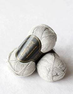 Super lækker BabySilk strikkegarn fra Du Store Alpakka - 323 Lysegrå