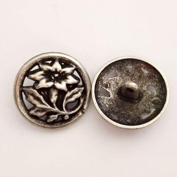 Antik sølvfarvet åben metalknap - Blomst - 23 mm