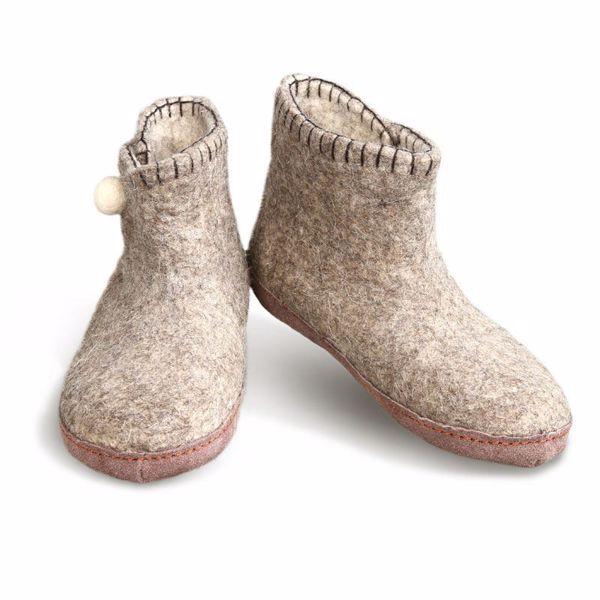Håndfiltede filtstøvler fra Betterfelt - Grå Daisy