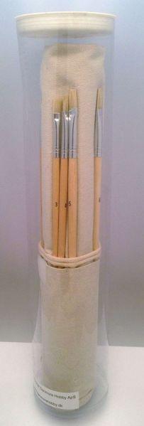 Pensel sæt med svinehår - runde og flade - med lærreds omslag