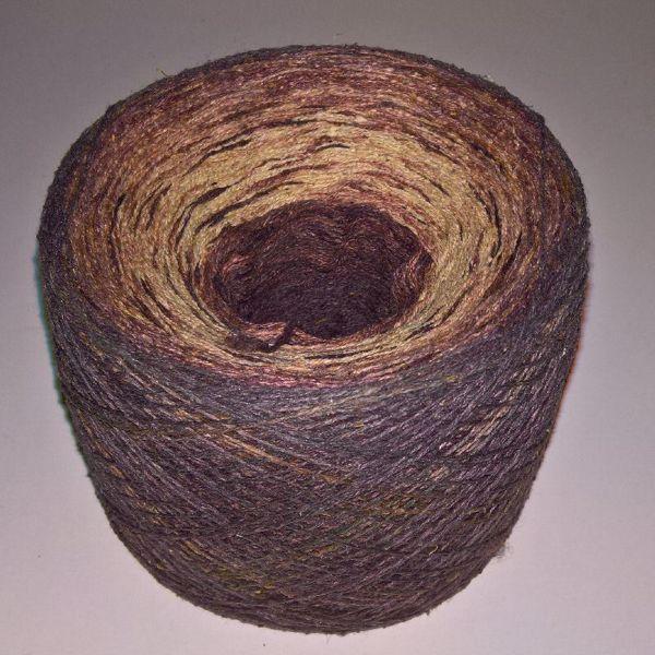 Unikt håndmalet silke noil til sommerstrik og vævning fra Ægbækgaard