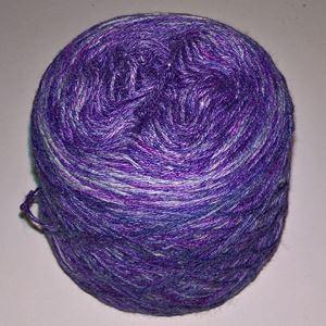 Unikt håndmalet silke og Viscose til sommerstrik og vævning fra Ægbækgaard - Lilla og grå