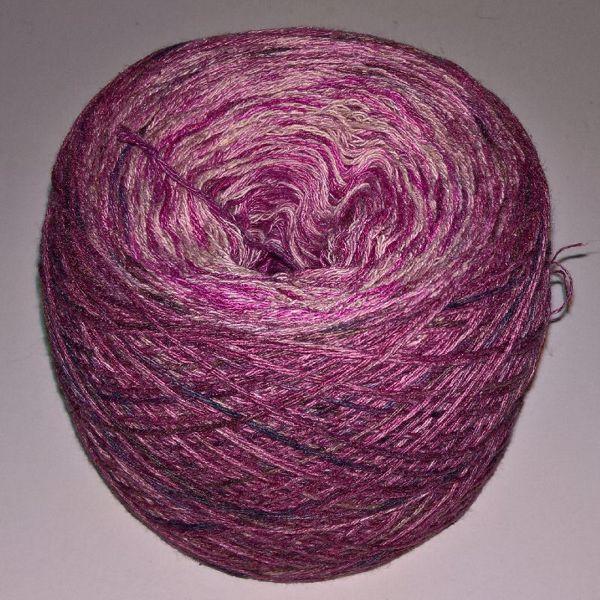 Unikt håndmalet silke og Viscose til sommerstrik og vævning fra Ægbækgaard - Mørk gammelrosa til lyserød