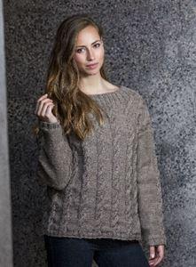 Sweater med perlestrikkede snoninger i Cataluna - Naturuld fra CeWeC - opskrift 2305