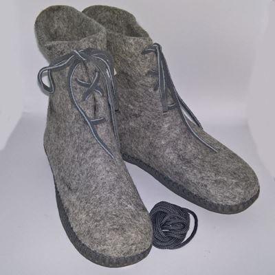 Håndfiltede filtstøvler fra Clemente - Snørestøvle