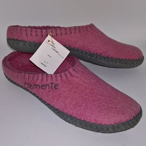 Håndfiltede filtstøvler fra Clemente - Rosa Slippers med Turkise Såler