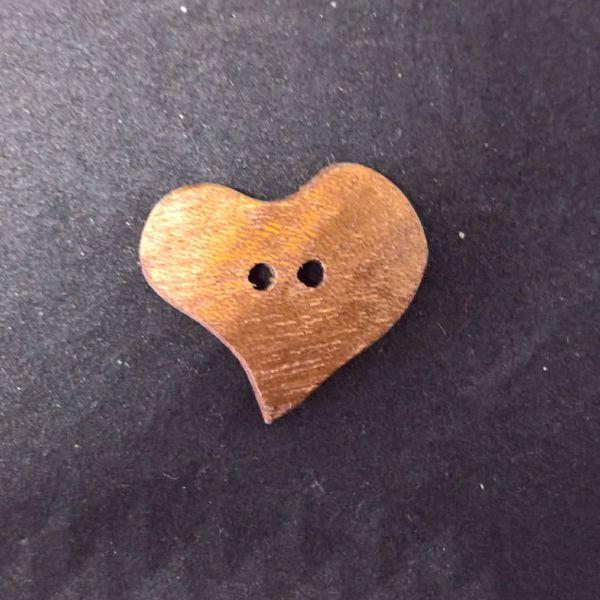 Hjerteformet knap af Mahogni fra Deknofa