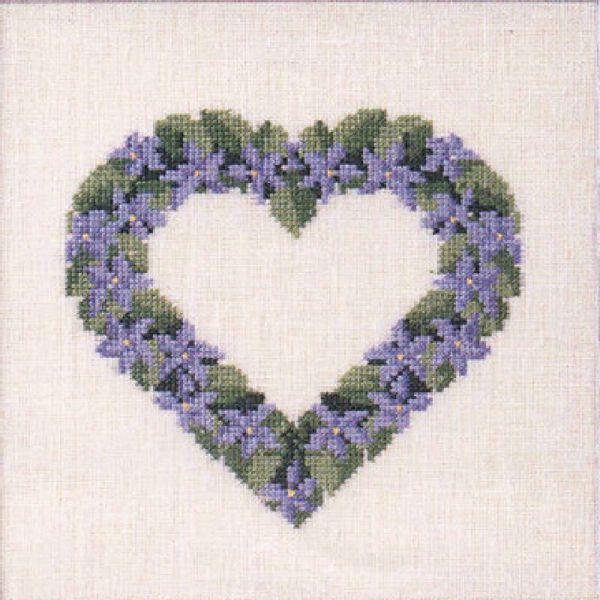Søde korsstingsbroderier med blomster i hjerte til nålepuder eller projektpose fra Oehlenschläger - 65173 Violer
