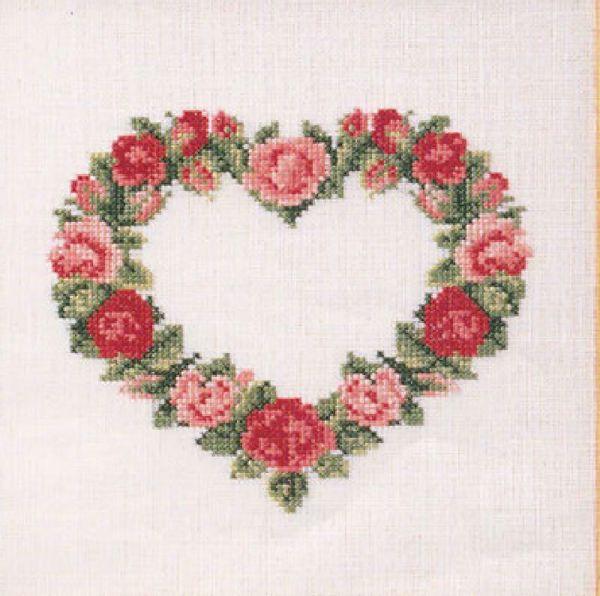 Søde korsstingsbroderier med blomster i hjerte til nålepuder eller projektpose fra Oehlenschläger - 65177 Røde roser